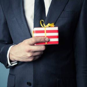 4 Affordable Christmas Gifts For Your Employees