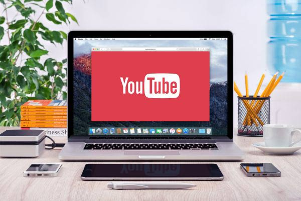Youtube Logo On The Apple Macbook